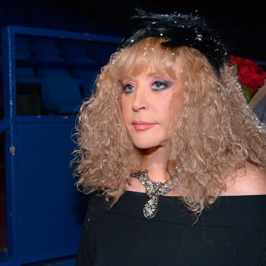 Star of House-2 Irina Agibalova invited to the show Comedy Vumen Ekaterina Varnava 06.05.2013 86
